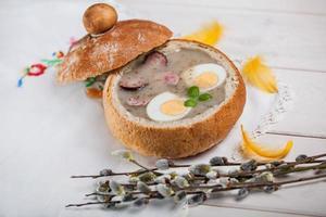 hausgemachte traditionelle Ostersuppe foto