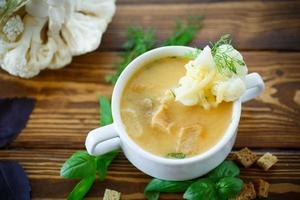 Suppe pürierter Blumenkohl foto