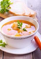 eine Schüssel Suppe foto