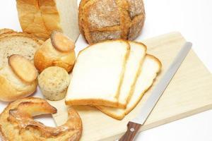 Brot schneiden foto