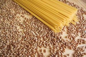 Spaghetti und Weizen foto