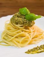 Spaghetti mit Pesto. foto