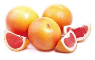reife Grapefruit isoliert. foto