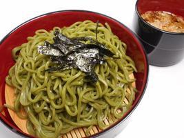 pulverisierter grüner Tee Udon foto