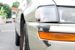 Auto mit Kratzern foto