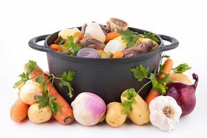 Rindfleischeintopf und Gemüse foto
