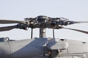 Rotor und Motorraum am Hubschrauber foto