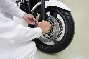 Reparatur des Motorrades foto