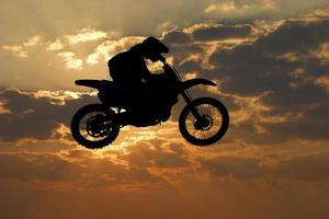 Motocross-Sprung foto