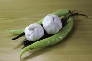 Knoblauch und Gemüse foto