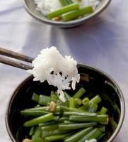 gebratene thailändische Frühlingszwiebel mit Knoblauch foto