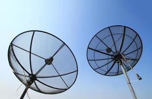 Satellitenschüsseln für die Telekommunikation foto