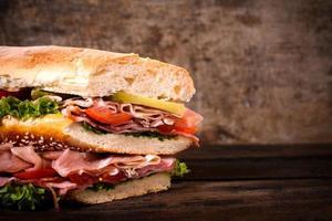 großes saftiges Sandwich foto