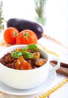 Gemüseeintopf mit Sauce foto