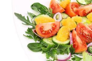 Nahaufnahme von frischem Salat. Makro. foto