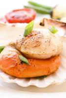 Jakobsmuschel mit Gemüse