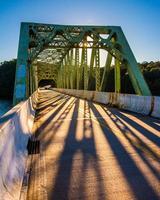 Sonnenuntergang auf einer Brücke über Prettyboy Reservoir, in Baltimore County
