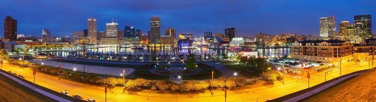 Baltimore in der Nacht foto