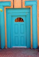 türkisfarbene Tür foto