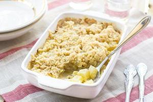 Zucchini-Streusel mit Zucchini und Käse foto