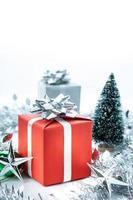 rote Geschenkbox foto