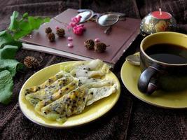 thailändisches Dessert namens Thongmuansod foto