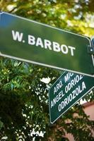 w. Barbot Straßenschild in Colonia del Sacramento Uruguay