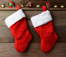 zwei Weihnachtsstrümpfe foto