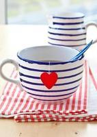 große Tasse mit Tee foto
