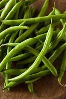 rohe grüne Bio-Bohnen foto
