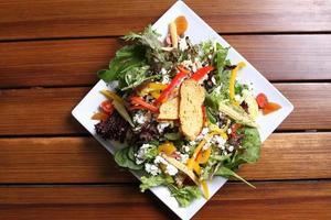 Salat würzen foto