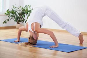 Yogazeit zu Hause foto