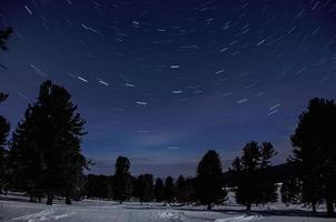 Stern verfolgt Weltraumlandschaft