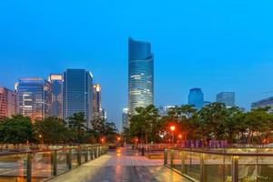 China Hangzhou Wolkenkratzer, Nachtlandschaft.