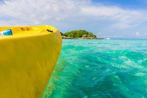 Kajak fahren im Ozean foto
