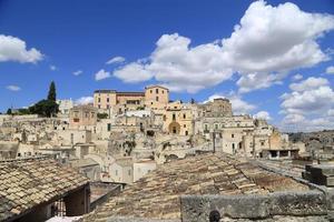 Italienische Landschaft: berühmte Matera-Steine foto