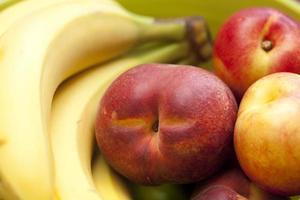 Nektarine und Banane foto