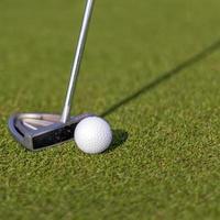 Golfschläger und Ball foto