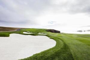 Golfplatz an der Küste in Kalifornien foto