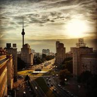 Sonnenuntergang in der Stadt Berlin, Deutschland