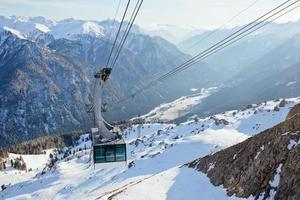 Seilbahn in Dolomiten foto