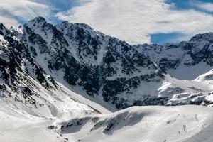 Schnee in den polnischen Bergen