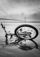 humber Brücke und Fahrrad foto