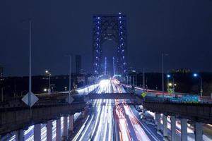 Lichtspuren an der George Washington Bridge