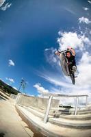 BMX großer Luftsprung foto