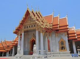 buddhistischer tempel bangkok thailand
