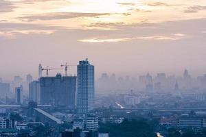 Sonnenaufgang in Bangkok Stadt, foto