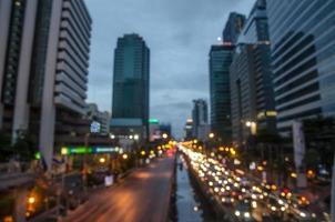 Thailand, Bangkok Autobahn mit Gebäude