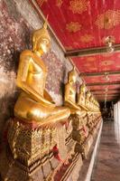Buddha-Statue im Tempel foto