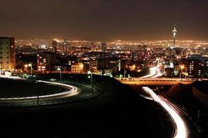 Teheran Skyline in der Nacht foto